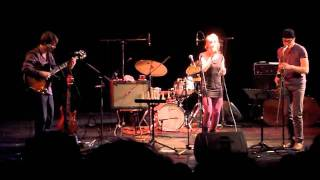 Lila ist mehr als eine Farbe - Young Fresh Jazz in den Katakomben (26.10.2011)