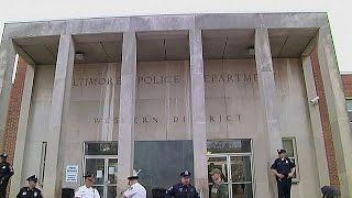 США: в деле Фредди Грея нет виновных(Прокуратура города Балтимора американского штата Мэриленд, окончательно сняла все обвинения с полицейски..., 2016-07-27T17:27:32.000Z)