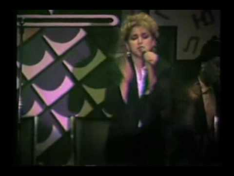 Madonna   Everybody live at Danceteria, NYC, 1982