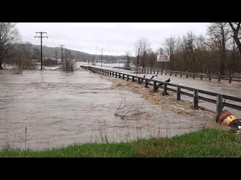 Kickapoo creek flood farmington rd Peoria illinois