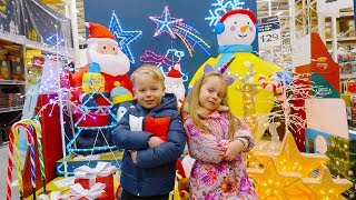 Gaby and Alex goes to Christmas shopping!