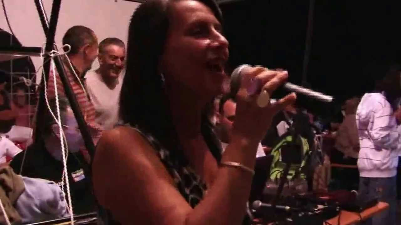 SHANIA  Karaoke per Casa Famiglia Zoe  YouTube