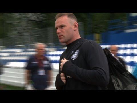 Rooney Uberrascht Mit Neuer Frisur