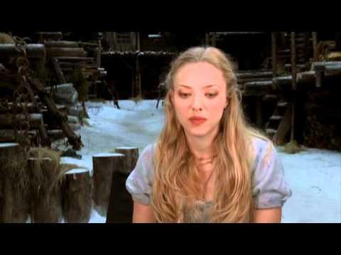 RED RIDING HOOD: Amanda Seyfried Interview
