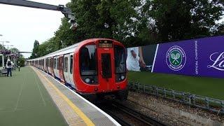 【ウィンブルドンテニス仕様】ロンドン地下鉄ディストリクト線S7形サウスフィールズ駅到着