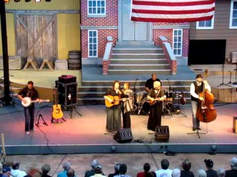"""The Isaacs - """"Bluegrass Medley"""""""