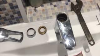 видео Замена картриджа в смесителе: как продлить срок службы однорычажного смесителя и сменить картридж?