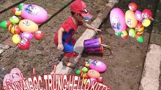 Người Nhện Săn và Bóc Trứng Hello Kitty, Trứng Doraemon Và Trứng Spiderman - ❤ Bảo Bảo TV ❤