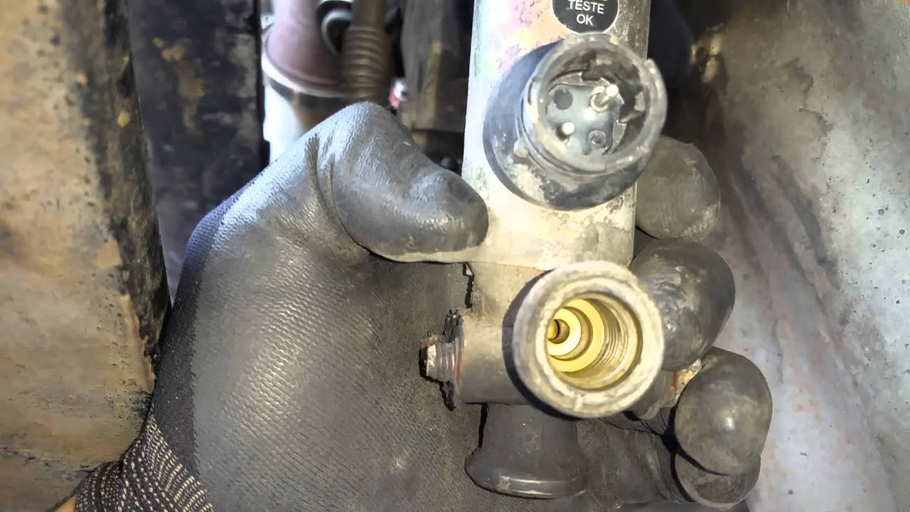 2008 Cascadia Freightliner Air Valve Leak Youtube