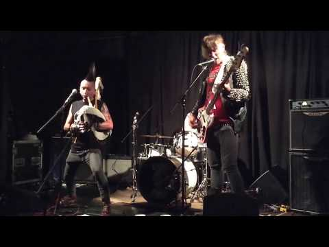 """The Babes """"Rampton Song"""" Live at The Cricketers, Kingston, June 16th, 2017."""
