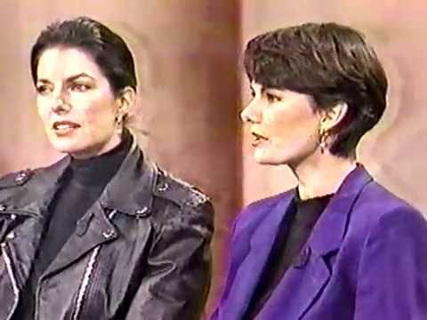 The Television Talk : Phil Donahue wSisters guests Sela Ward & Jenna Ward