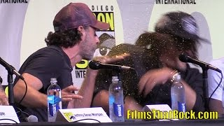 Video Andrew Lincoln Glitter Bombs Norman Reedus at Comic Con 2016 download MP3, 3GP, MP4, WEBM, AVI, FLV Maret 2017