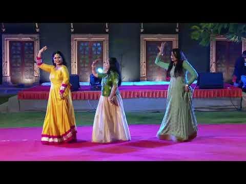 WEDDING DANCE :SONGS: PAIRO ME BANDHAN HAI, BOLE CHUDIYA, LAGADI HAI THAI