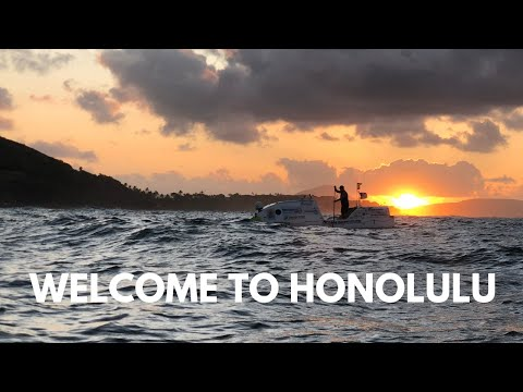 Spanish paddleboarder crosses the Pacific Ocean