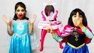 Ashu and Cutie Pretends Play w/ Princess DressUp & Makeup Mess up Elsa's Face | Toys And KidsPlay