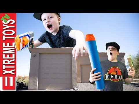 Cole Is A Giant!! Sneak Attack Squad Plays With A Enlargment Blaster