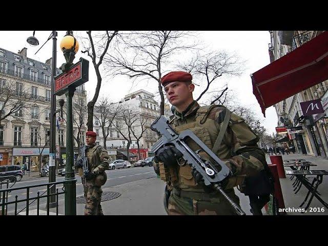 <span class='as_h2'><a href='https://webtv.eklogika.gr/gallia-etoimes-oi-arches-gia-ta-kitrina-gileka' target='_blank' title='Γαλλία: ¨Ετοιμες οι αρχές για τα κίτρινα γιλέκα'>Γαλλία: ¨Ετοιμες οι αρχές για τα κίτρινα γιλέκα</a></span>