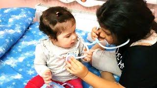YAPRAK bebeği muayene ediyorum-Kadeşimle doktorculuk oynuyoruz Eğlence Tv-Cicciobello doktor seti