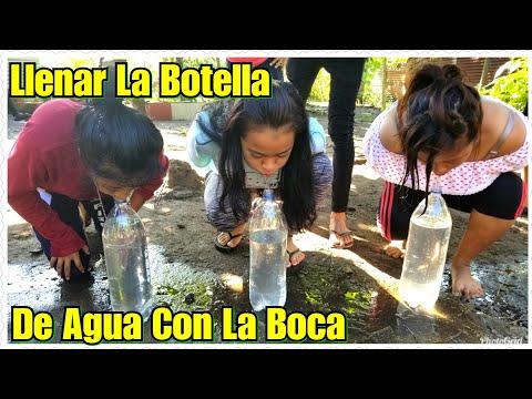 Llenaron La Botella De Agua Con La Boca  Tomaron el Agua del Mismo