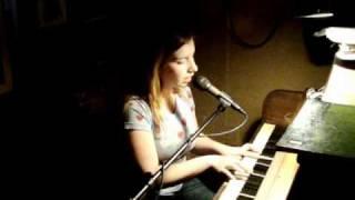Après Moi Cover / Ariel Victoria Rubin / Open Mic Nite Pianos