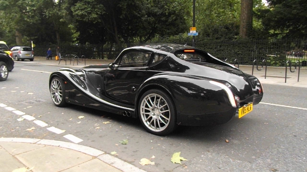 morgan aero 8 supersports spots in london youtube. Black Bedroom Furniture Sets. Home Design Ideas