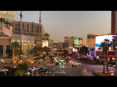 LAS VEGAS RIGHT NOW HOT Summer Sunday Night Las Vegas Strip WALKING TOUR