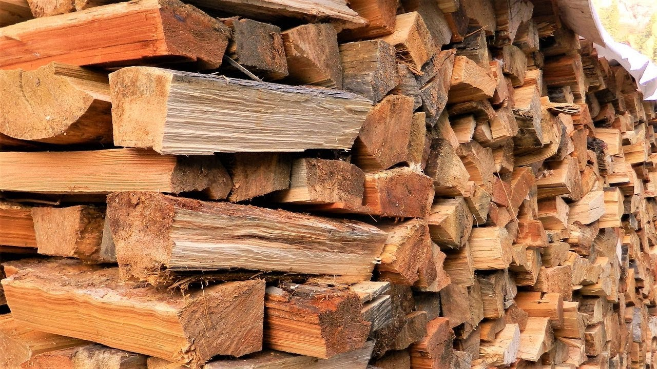 Осень в деревне продолжается, убрали дрова. - YouTube
