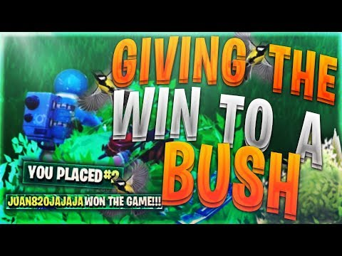 GIVING THE WIN TO A BUSH WITH NO KILLS! (WORST PLAYER ON FORTNITE?!)