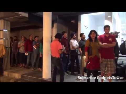 Crazy Crowd Response for iPhone 6 India Midnight Sale iZenica Store GK 1 on 17th October Delhi