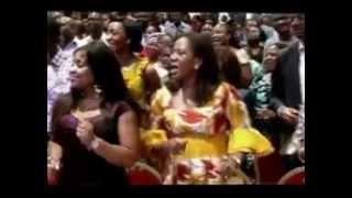 Repeat youtube video AKPORORO_ WARRI COMEDIAN PRAISING GOD, SINGING AND DANCING