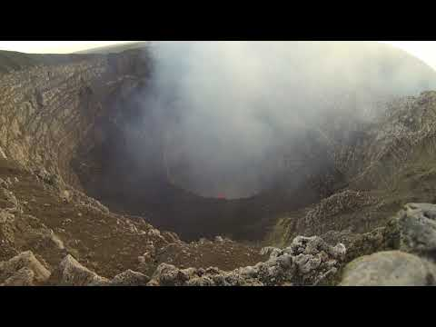 Phonography : Lava lake, Masaya volcano, Nicaragua ( 11.986601,-86.166760)