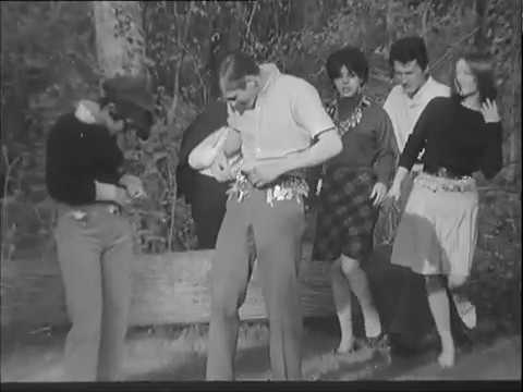Key Ring Craze in France! (1966)