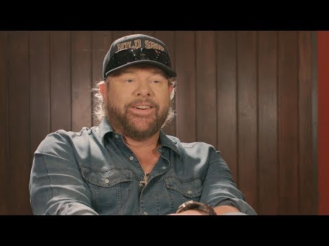 Toby Keith On Songwriting, Bus Songs & Why He'll Always Perform For The Military | Southern Living