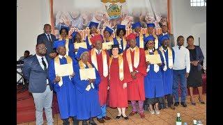 Remise de diplôme de fin d'étude des étudiants de l'école biblique de la foi victorieuse.