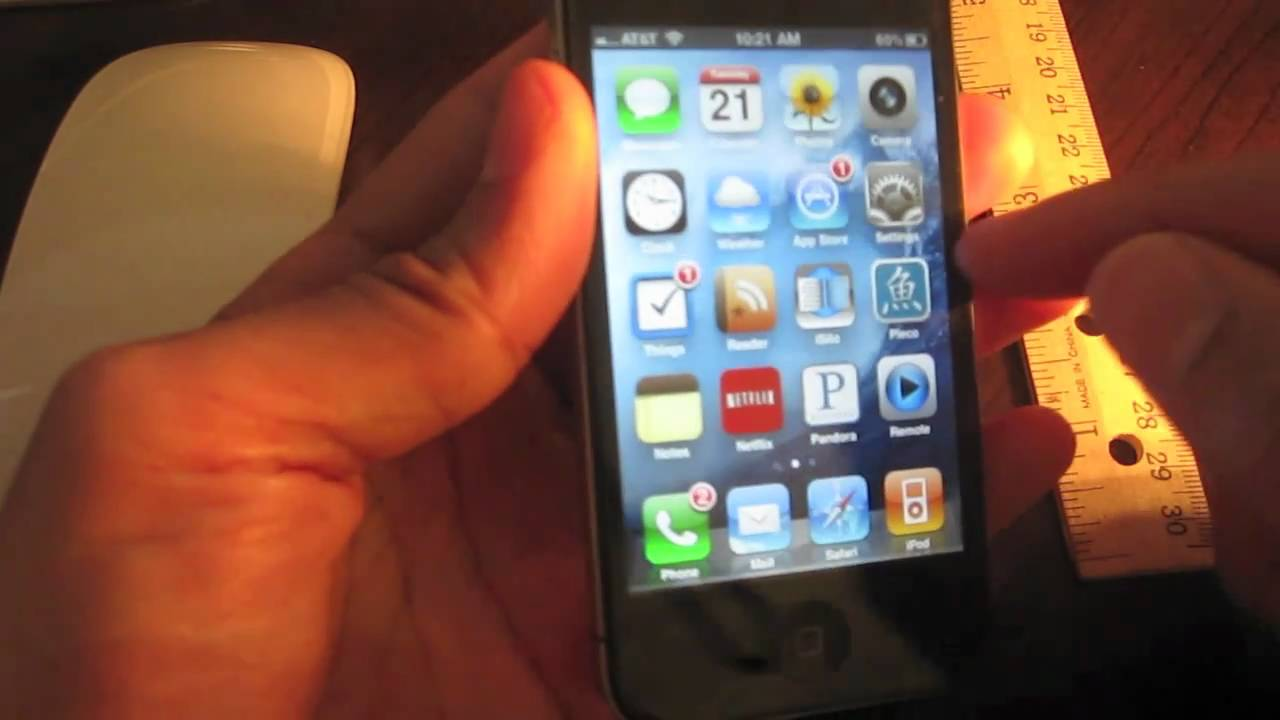 The Anatomy of an iPhone 4 - YouTube