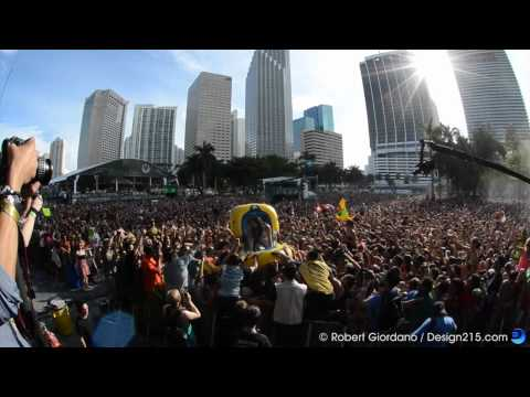 Steve Aoki Goes Rafting  Ultra Music Festival 2012, Day 3 HD