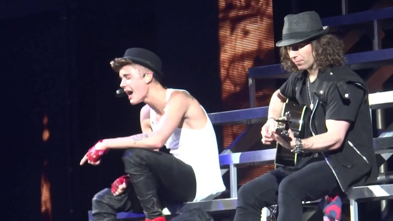 Justin Bieber Singing Be Alright In San Antonio Tx 1 12 13