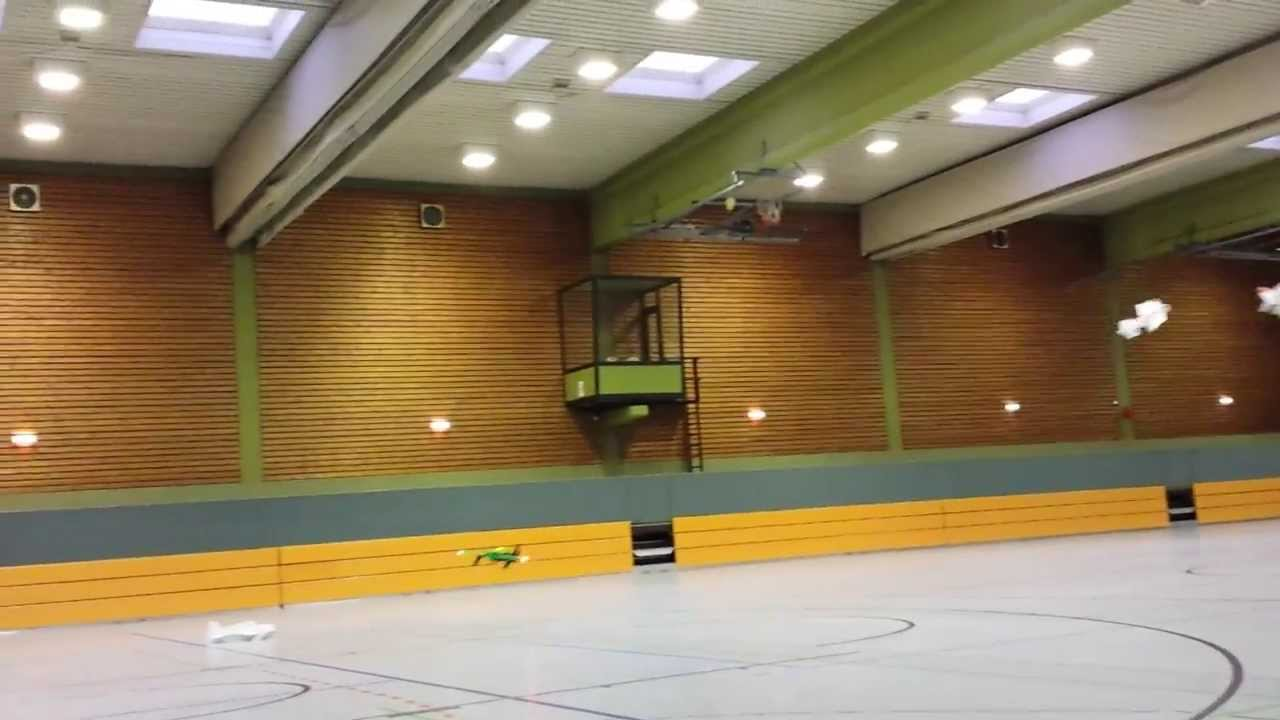 Acro-Magnum in der Halle mit Beleuchtung - YouTube