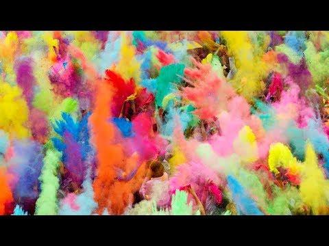 18.08.2018 Фестиваль фарб: у Коломиї відбувся кольоровий захід