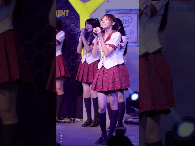 [4K]180126 Fancam Mind - Skirt Hirari Cut @ Legion of Champions, Pantip Plaza