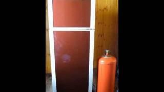 Холодильник газовый - работает без электричества.(Холодильник абсорбционный газовый - работает без электричества. Купить можно в Инверторы Ру. http://invertory.ru., 2011-07-11T08:14:40.000Z)
