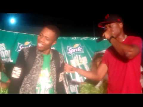 Dandizzy freestyles with Vector Tha Viper at Sprite Tripple Slam in Port Harcourt
