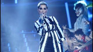 Soraya Arnelas imita a Katy Perry en 'Swish, swish' - Tu Cara Me Suena