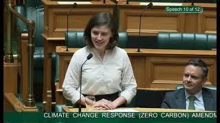 Chloe Swarbrick says OK BOOMER at (Zero Carbon) Amendment Bill - Second Reading