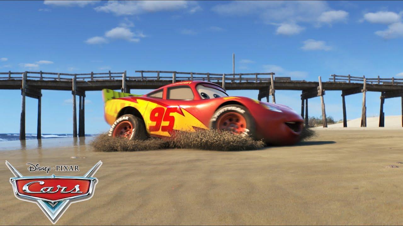 Cars 3 | Een trein op het strand met Cruz | Disney NL