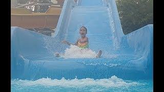 Video Aquaparkta kaydırak ve havuz keyfi, eğlenceli çocuk videosu download MP3, 3GP, MP4, WEBM, AVI, FLV November 2017