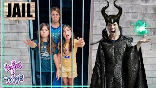 Frozen Elsa Sends Maleficent and Twins to JAIL Compilation!