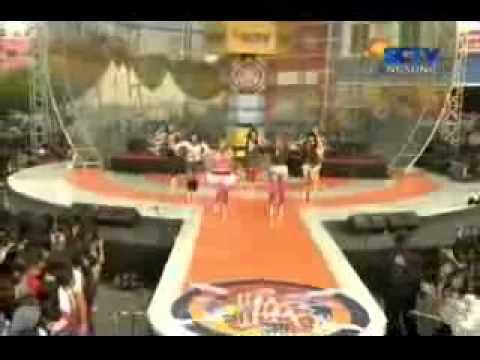 SuperGirlies - Hiphiphura @ Hiphiphura, SCTV - 06.05.2012 - YouTube_4