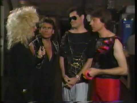 Nina Blackwood interviews The Monkees (1987)
