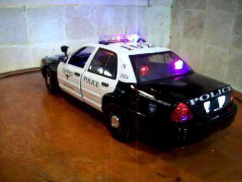 1 18 Chicago Police Dept Crown Vic With Lights And Sire